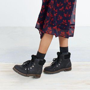 Madewell x G.H. Bass & Co. Nadine Boots in Black 9